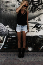 weekday top - vintage shorts - boots - forever 21 accessories