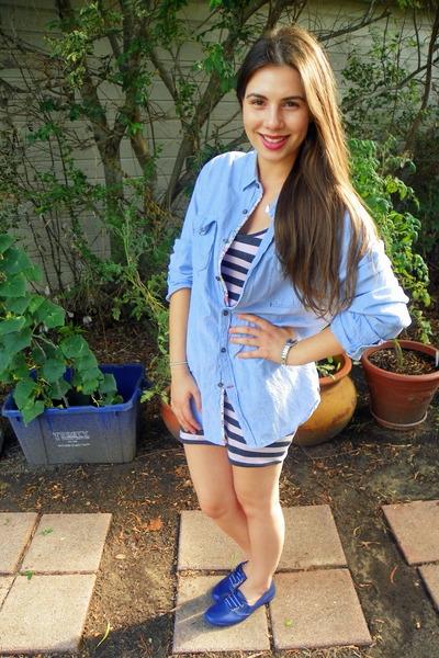 7f34e8e0565c chambray Guess shirt - blue H M shoes - heather gray striped delias dress