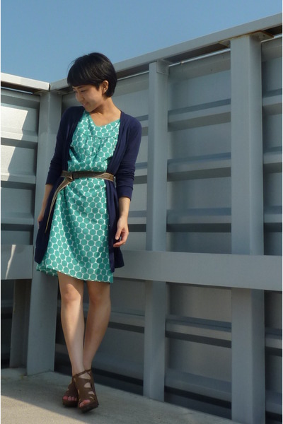 green dress - blue Topshop cardigan - belt - Nine West shoes