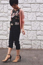salmon cardigan - black floral print top - black obi Zara belt