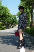 black comme ca du mode dress - black Nine West boots - red kate spade purse
