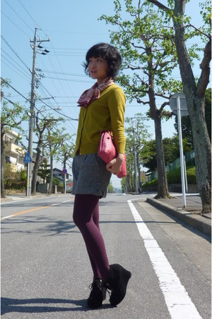 Tsumori Chisato wedges - magenta tights - pink DKNY scarf - heather gray shorts