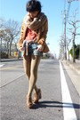 Tawny-blazer-carrot-orange-top-blue-shorts-camel-scarf-camel-tights-br