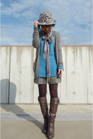gray boots - heather gray leopard print Natural Beauty Basic hat