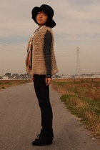 camel fur vest - black Tsumori Chisato shoes - black Uniqlo jeans