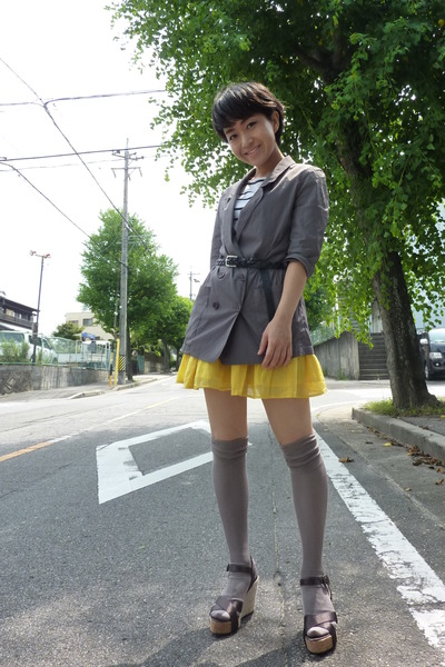 yellow H&M skirt - gray blazer - gray - t-shirt - shoes