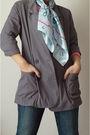 Blue-hermes-scarf-gray-blazer-pink-top-blue-jeans