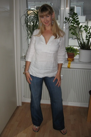 H&M top - Oasis jeans