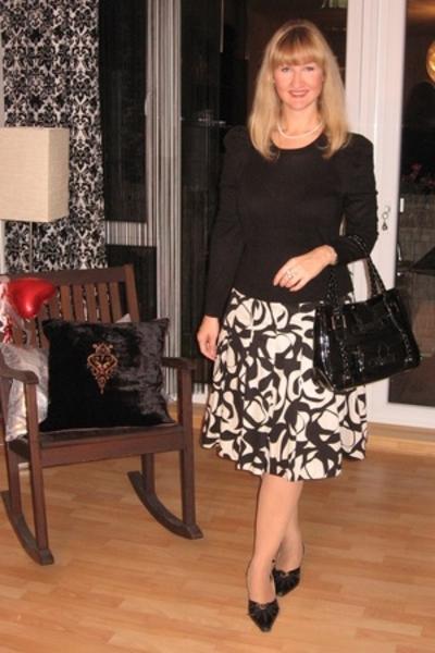 sweater - skirt - purse