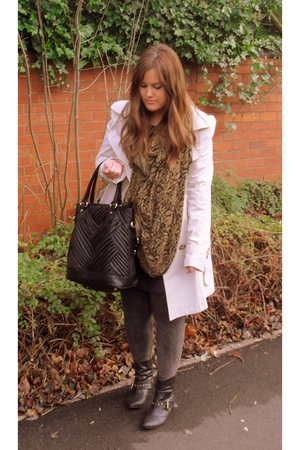 black Zara accessories - white Primark coat
