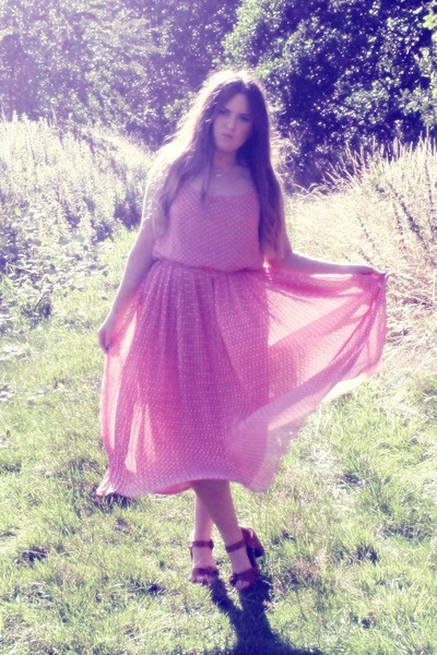 tan Topshop sandals - pink Primark dress