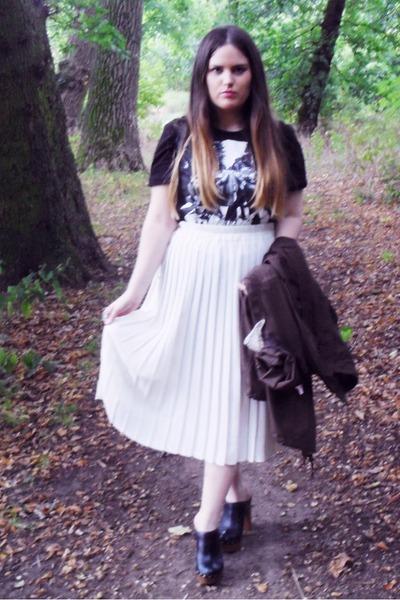 black beatles Primark t-shirt - white thrifted skirt