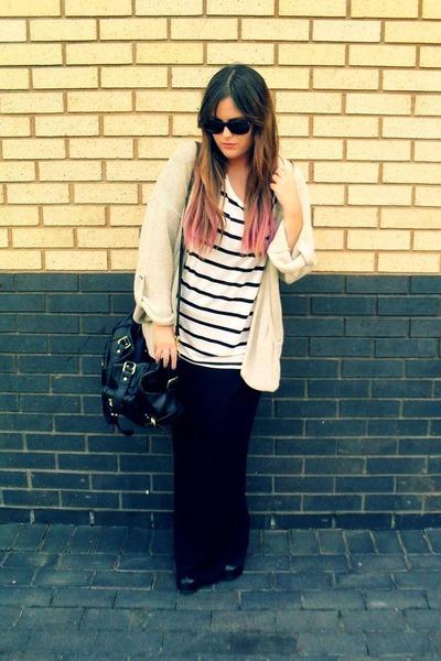 white H&M t-shirt - black Aldo boots - black Ray Ban sunglasses