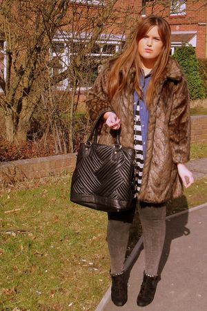 brown River Island coat - blue Primark shirt - white Topshop top - black Zara pu