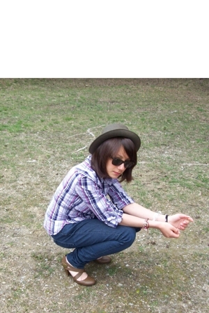 H&M shirt - Hlls Blls jeans - Home hat - flea market shoes - Ray Ban glasses