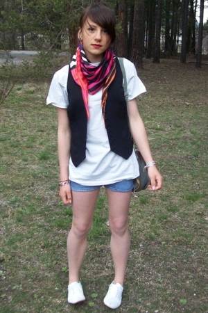 H&M scarf - t-shirt - An old jeans shorts - derby shoes - Urban Outfitters earri