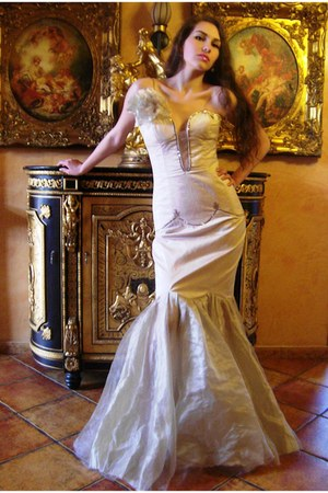 cream wedding dress By Cosmina Hajsek dress