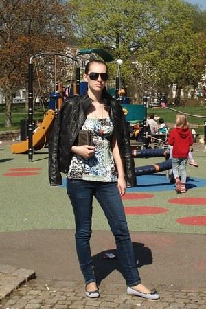 navy sailor style Sweden shoes - navy skinny jeans Bershka jeans