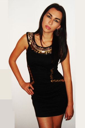 black Boohoo dress - red Accessorize earrings - bronze Accessorize ring