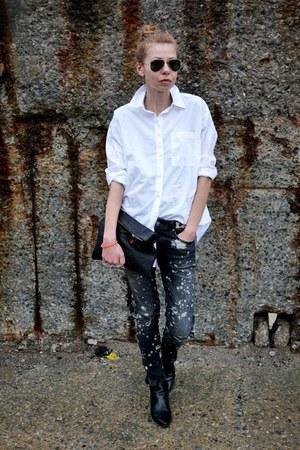 black Zara jeans - white madewell shirt - black Clare Vivier bag