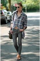 H&M shirt - charcoal gray skinny J Brand jeans