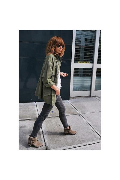 silver skinny James jeans - tan suede sam edelman shoes
