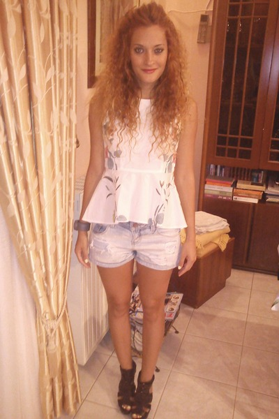 sky blue Zara shorts - white H&M top - black Zara sandals