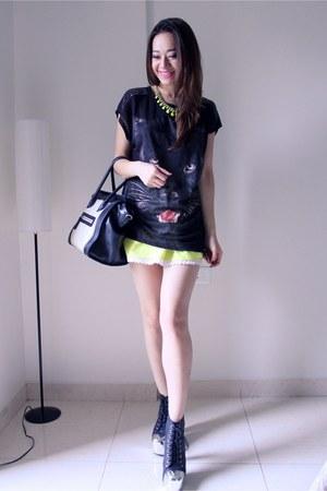 Zara t-shirt - Jeffrey Campbell boots