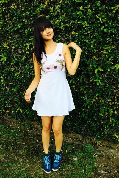 white lycra Hada de Sol dress