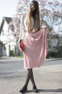 Coral-mango-bag-nude-urban-outfitters-bodysuit-off-white-zara-blouse