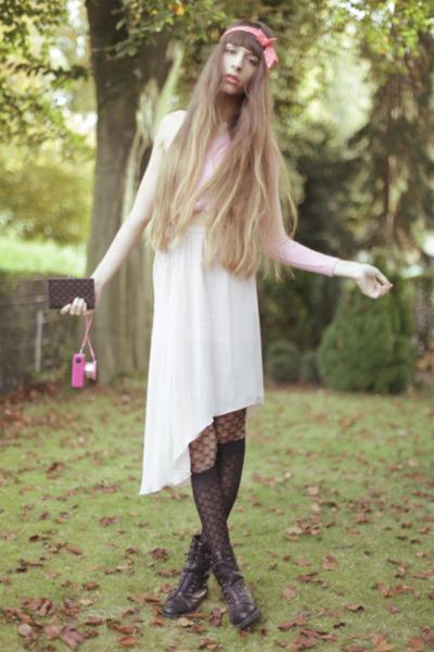 black Alexander Wang boots - black Wolford tights - bubble gum Chloe jumper