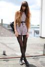 Black-falke-tights-dark-brown-leather-vintage-bag