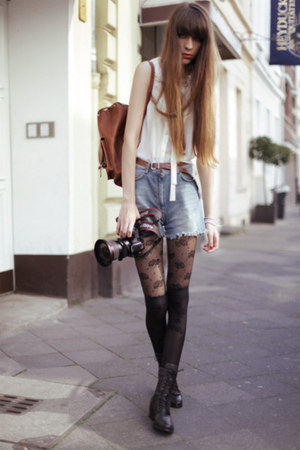 black falke tights - sky blue Mango shorts - off white Urban Outfitters blouse