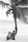 Nude-retro-gojane-sunglasses-amethyst-bikini-forever-21-swimwear