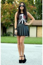 red ribcage PacSun top - black nightwalk Jeffrey Campbell wedges
