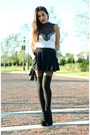Black-crossbody-h-m-bag-black-mini-forever-21-skirt