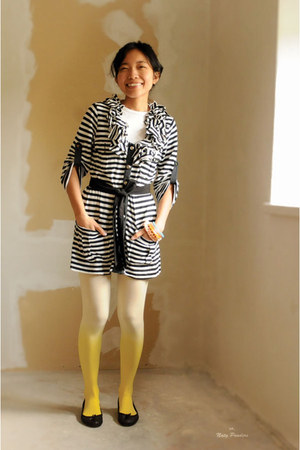 black stripes thrifted coat - yellow gradients tights - white basic c&a t-shirt