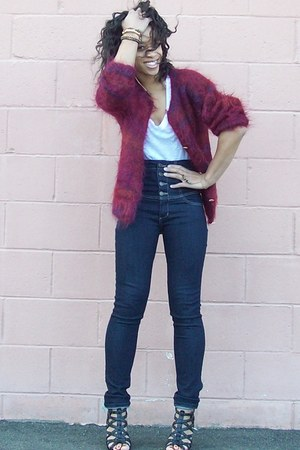 blue high-waisted Forever 21 jeans - maroon uhh itchy thrifted sweater - gold Na