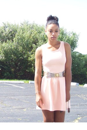 nude western leather vintage belt - light pink skater H&M dress - gold H&M flats