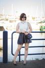 White-textured-h-m-top-black-leatherette-h-m-skirt-gold-lion-ebay-necklace