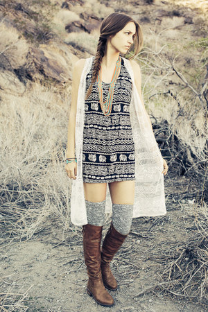 brown nectar clothing boots - black Audrey 31 dress - white nectar clothing vest