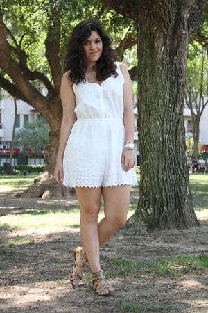 white Oysho dress - gold ASH shoes