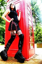 hell bunny skirt - Pennangalan boots - Generic tights - Generic socks - H&M vest