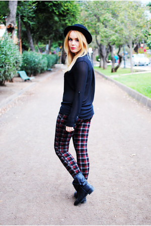 black Bershka boots - black el corte ingles hat - black Bershka blouse