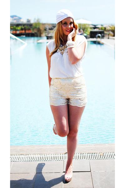 white Mi kimono vintage shop hat - white q2 shorts - beige Mango heels