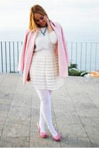 bubble gum Plaza Chueca shoes - bubble gum Zara coat
