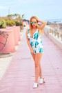 Aquamarine-canglasses-sunglasses-turquoise-blue-cndirect-jumper