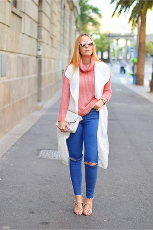 bubble gum Bershka sweater - navy Zara jeans