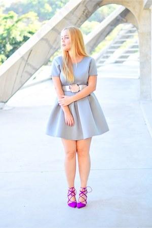 magenta Lepa Punca belt - silver DressLink dress - amethyst Zara heels