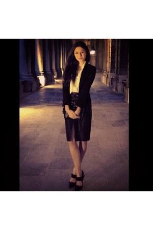 black Zara skirt - black shoes